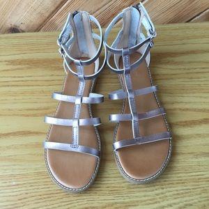 🌸 Silver gladiator sandals 🌸